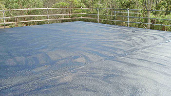 Roof leakage problems with Hypertectum-the liquid roofing.